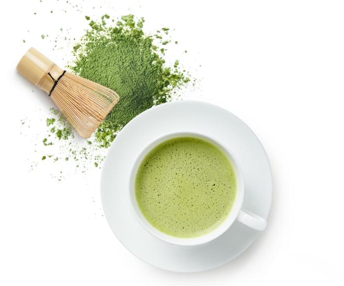 thé matcha en poudre préparation