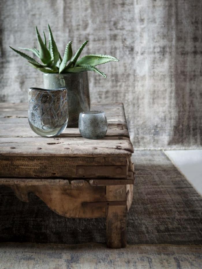 wabi sabi avec une vieille table basse