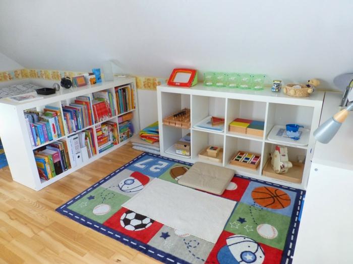 chambre montessori espace jouets