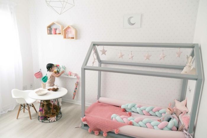 chambre montessori pour une fille