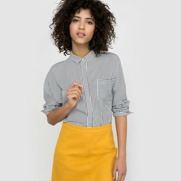 chemise femme rayures et jupe en jaune