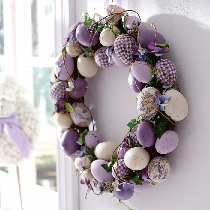 couronne bricolage de pâques en violet