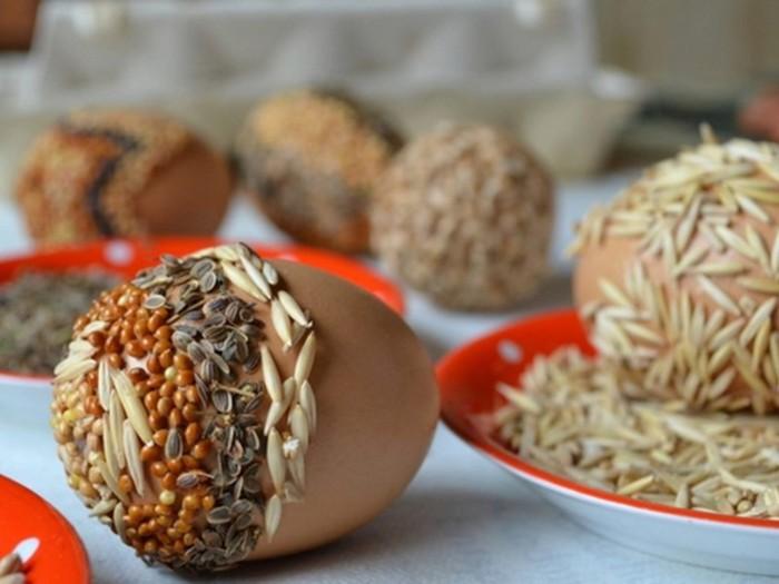 déco de pâques décoration oeufs graines