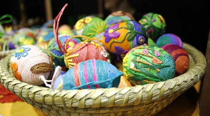 décoration oeufs ficelle déco de pâques