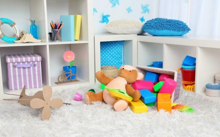 epsace jouets dans la chambre enfant