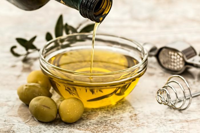 huile d'olive pour préparer un savon d alep