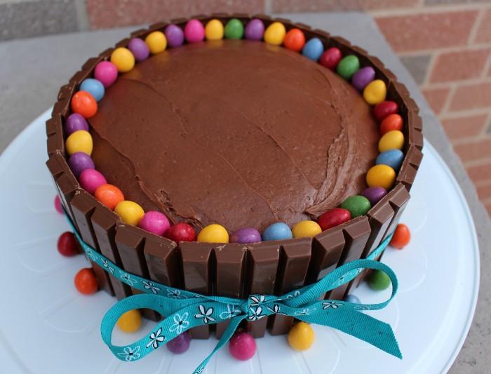 idée décoration gâteau bonbons chocolat
