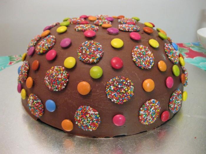 idée décoration gâteau décors en sucre différents