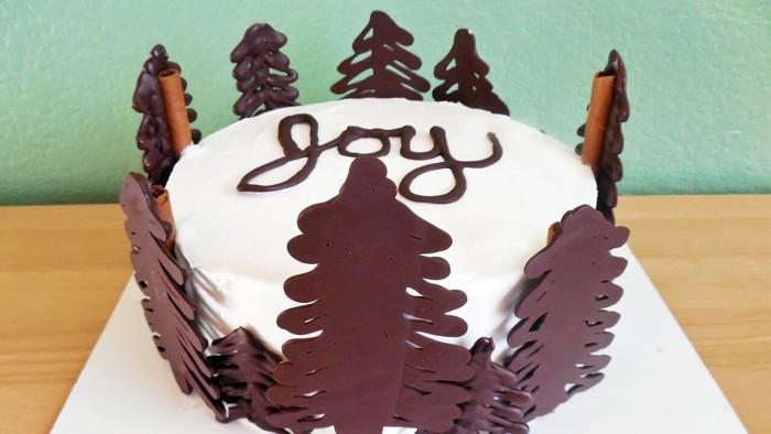 idée décoration gâteau figures en chocolat