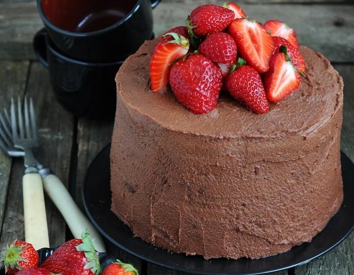 idée décoration gâteau fruits et chocolat