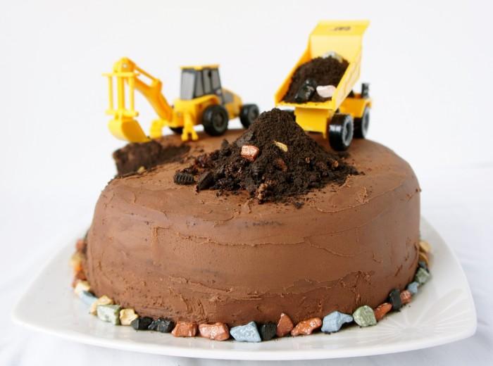 idée décoration gâteau petit garçon