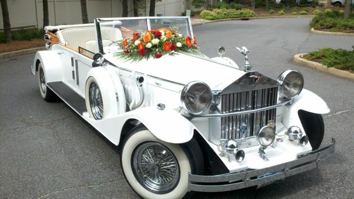 idée de décoration voiture mariage rétro