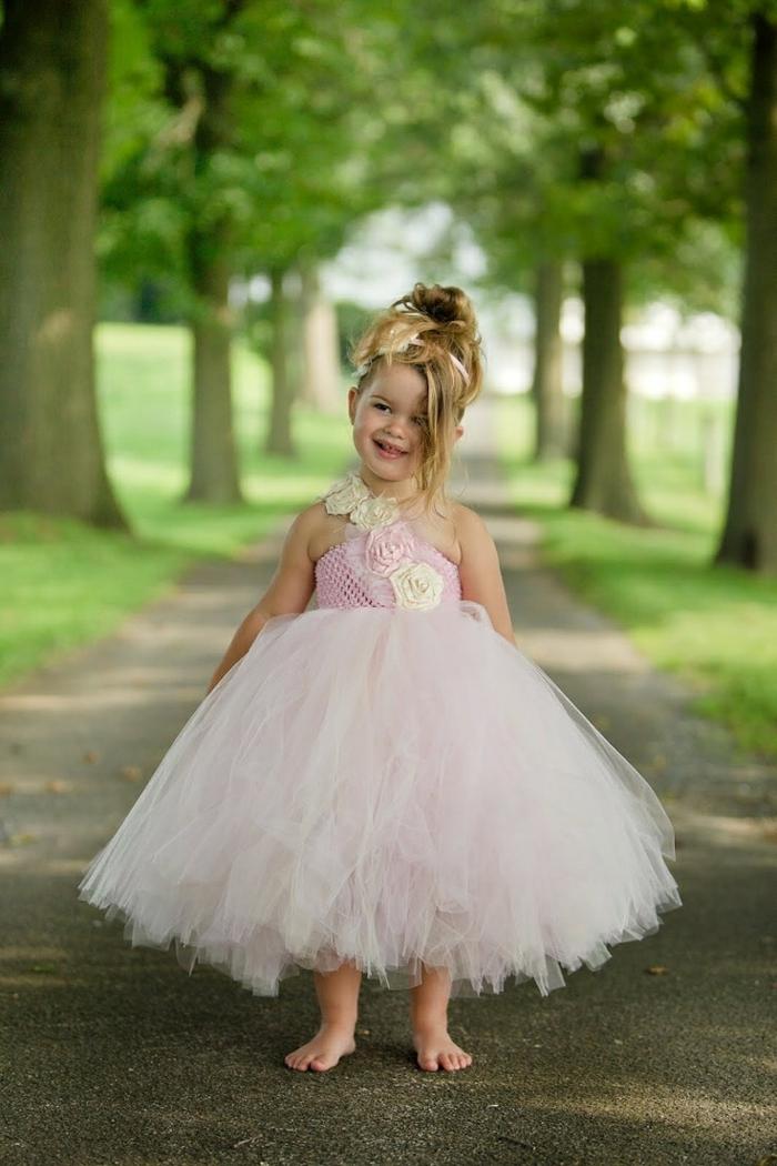 très belle robe demoiselle d'honneur en tulle rose pastel