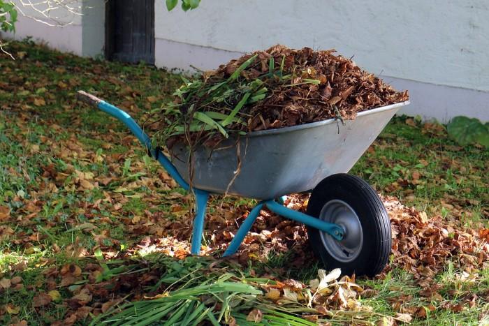 comment utiliser les outils jardinage efficacement