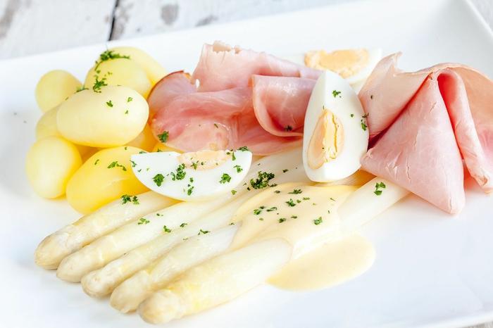 cuisson asperges blanches avec une sauce hollandaise délicieuse
