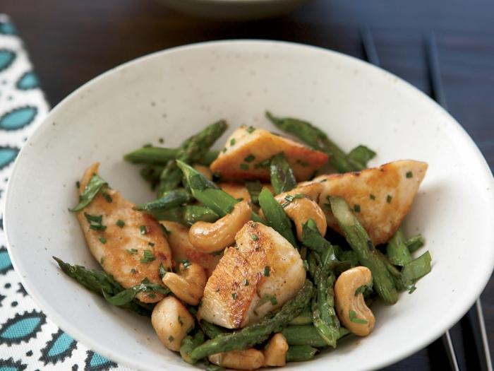 cuisson asperges blanches idée avec asperges vertes et cajou