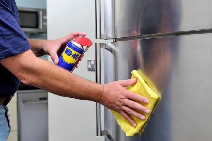 faire briller la surface du frigo dégrippant wd40