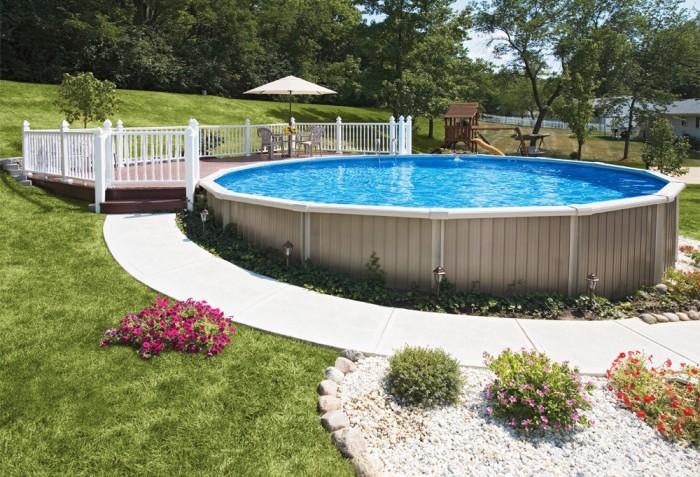 jardin piscine semi-enterrée bois composite
