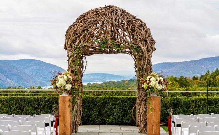 mariage champêtre arche fleurie