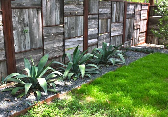 mur en bois idée de brise-vue jardin