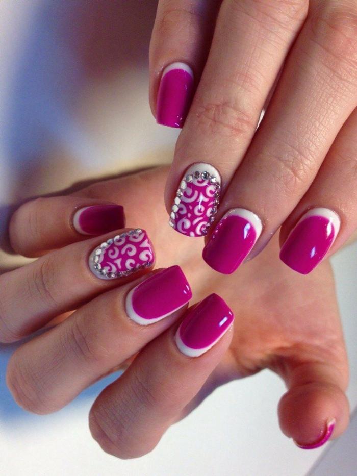 nail art facile avec des cristaux