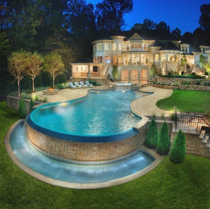 piscine semi-enterrée design luxe