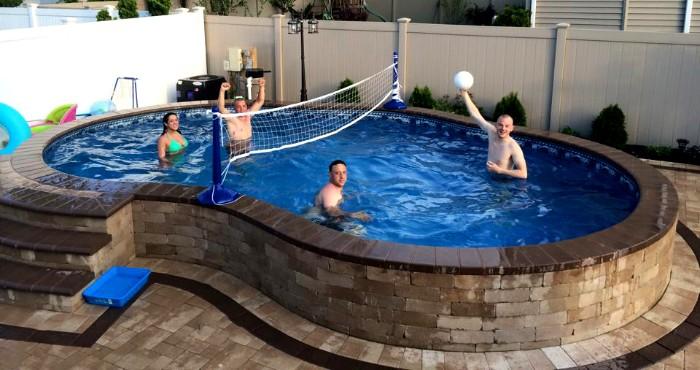 piscine semi-enterrée familiale briques