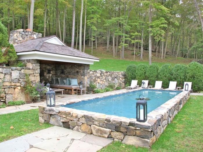 piscine semi-enterrée pierre naturelle