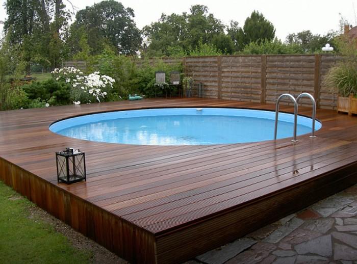 piscine semi-enterrée terrasse bois composite
