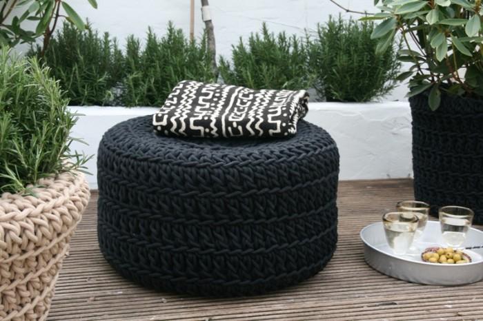pouf jardin créé avec pneu recyclé