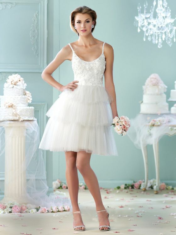 belle robe de mariée courte tendance