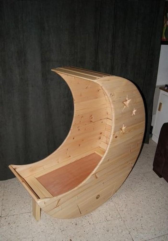berceau lune en bois de palettes