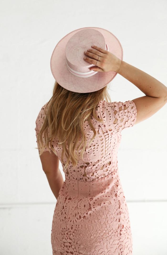 chapeau de paille élégant forme canotier