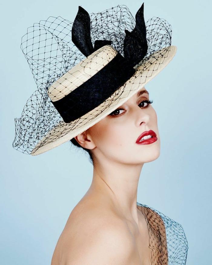 chapeau de paille moderne en forme canotier