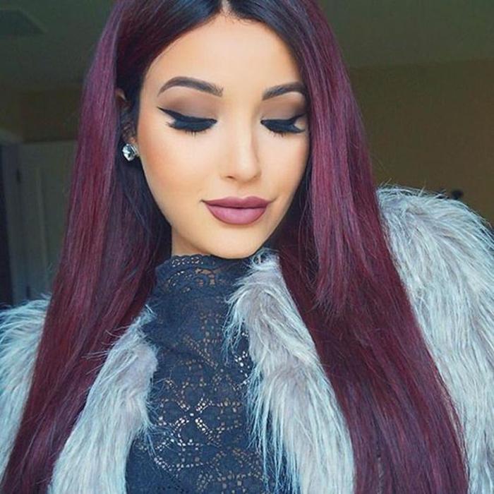cheveux droits cheveux prune foncé