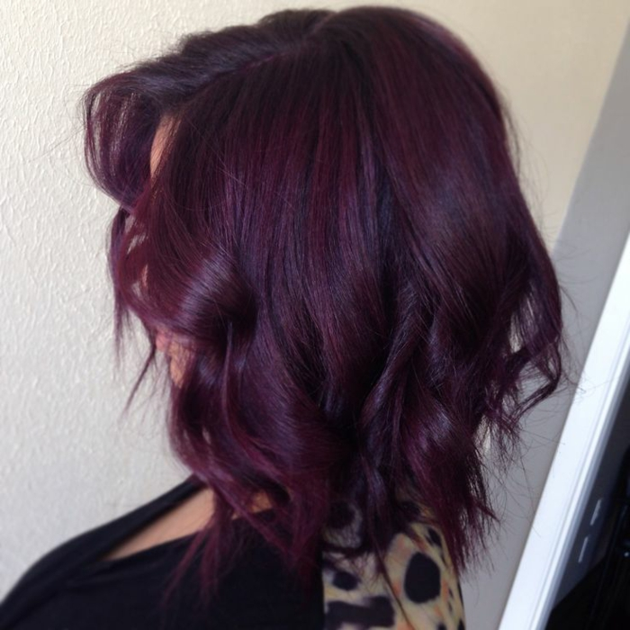 coloration cheveux prune foncé