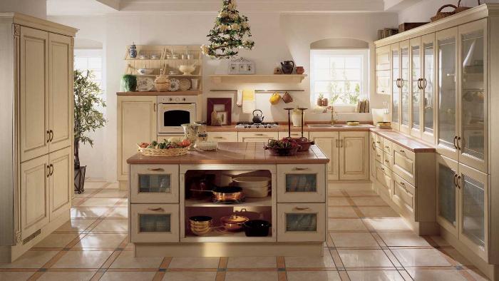 cuisine campagne chic en beige avec armoire vitrée