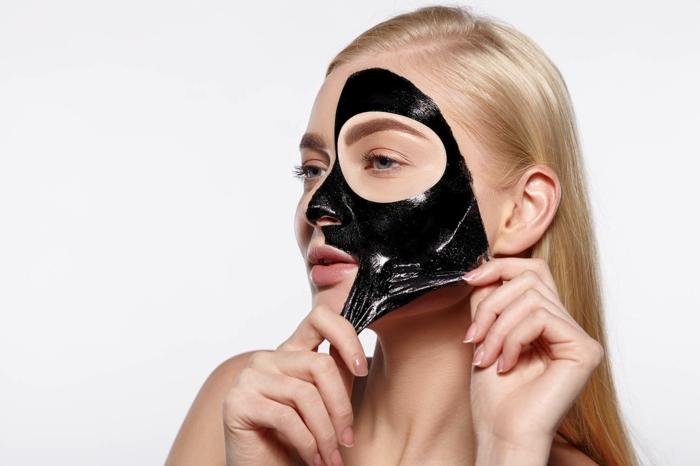 enlever masque charbon à la colle