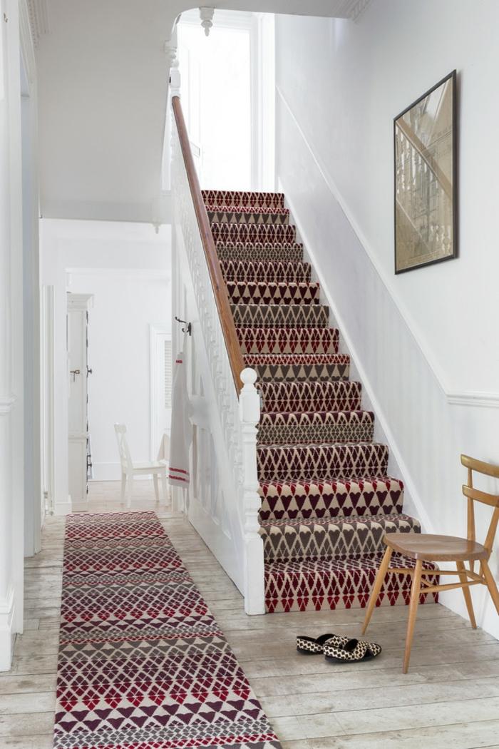 escalier traditionnel tapis graphique
