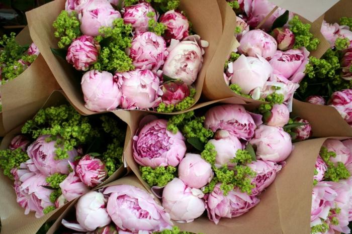 idée comment réaliser un bouquet avec pivoine