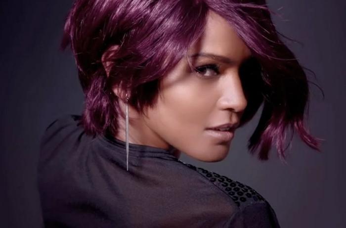idée coupe de cheveux cheveux prune foncé