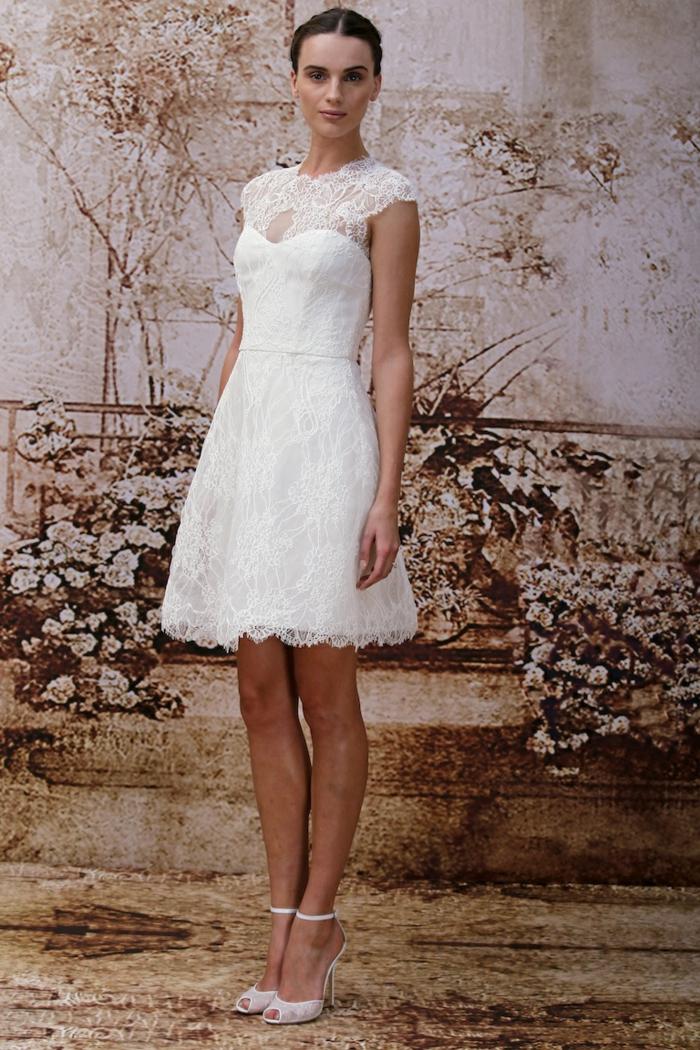 moderne robe de mariée courte en dentelle