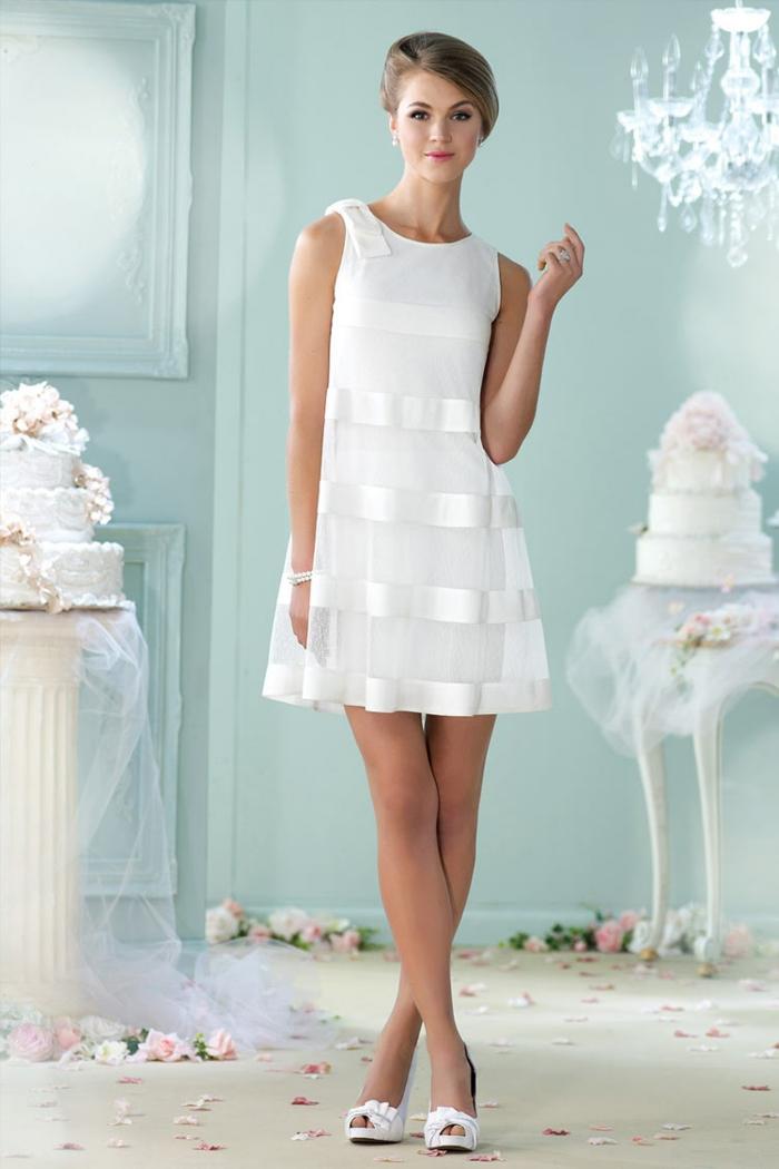 opter pour une robe de mariée courte pour le grand jour