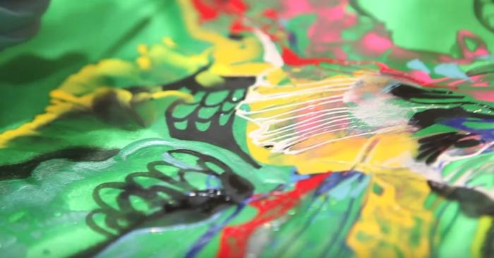 peinture sur soie pleine de couleurs
