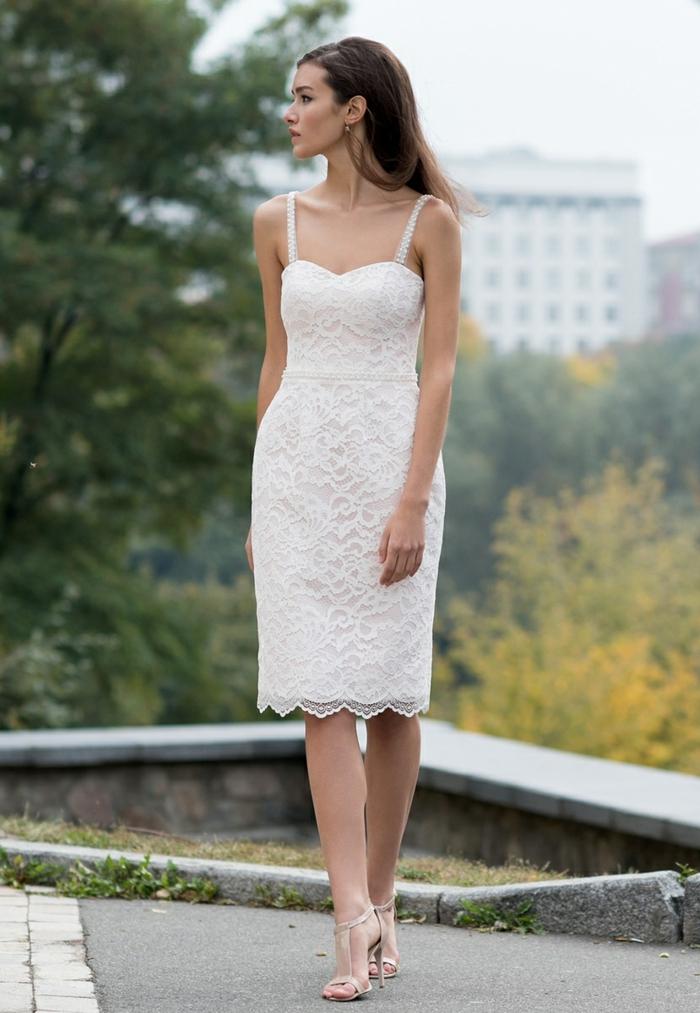 robe de mariée courte élégante