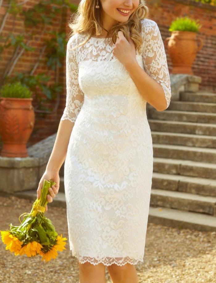 robe de mariée courte magnifique et très belle