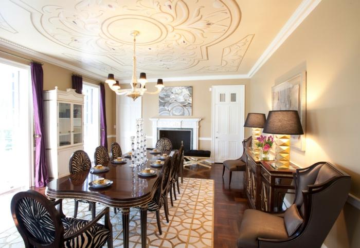salle à manger traditionnelle tapis graphique