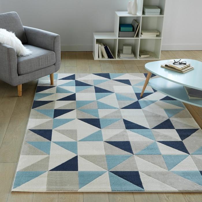 salon tapis graphique bleu blanc et gris