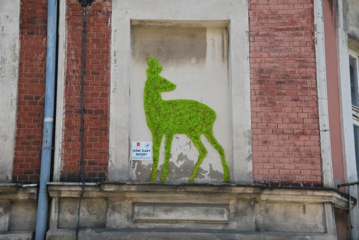 street art renne mousse végétale