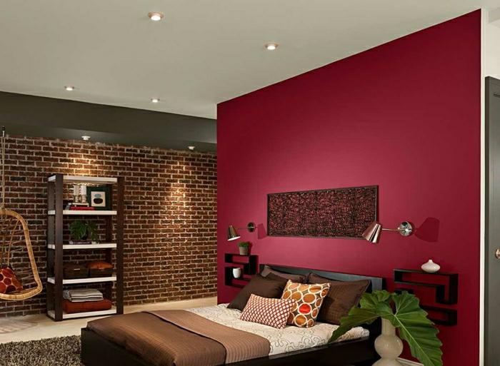 chambre à coucher mur en couleur lie de vin